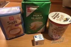 Příprava receptu Nejlepší náhrada chleba z hrnečku. Placky z bílého jogurtu, které zvládne připravit i začátečník., krok 1