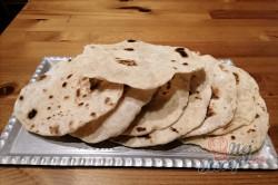 Příprava receptu Jen voda, mouka a olej. Pár minut a máte hotovou nejlepší náhradu chleba., krok 9