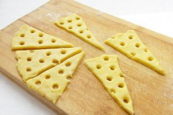 Příprava receptu Párty sýrové krekry ze 4 surovin, krok 4