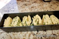 Příprava receptu Česnekový trhací chlebíček, krok 4