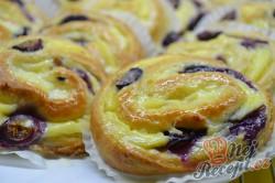 Příprava receptu Šneci s vanilkovým pudinkem a borůvkami, krok 8