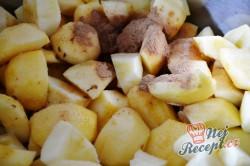 Příprava receptu Jablečné řezy s pěnou a ořechy, krok 2