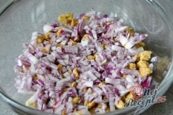 Příprava receptu Vrstvený salát Gyros, krok 3