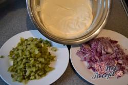 Příprava receptu Vrstvený salát Gyros, krok 2
